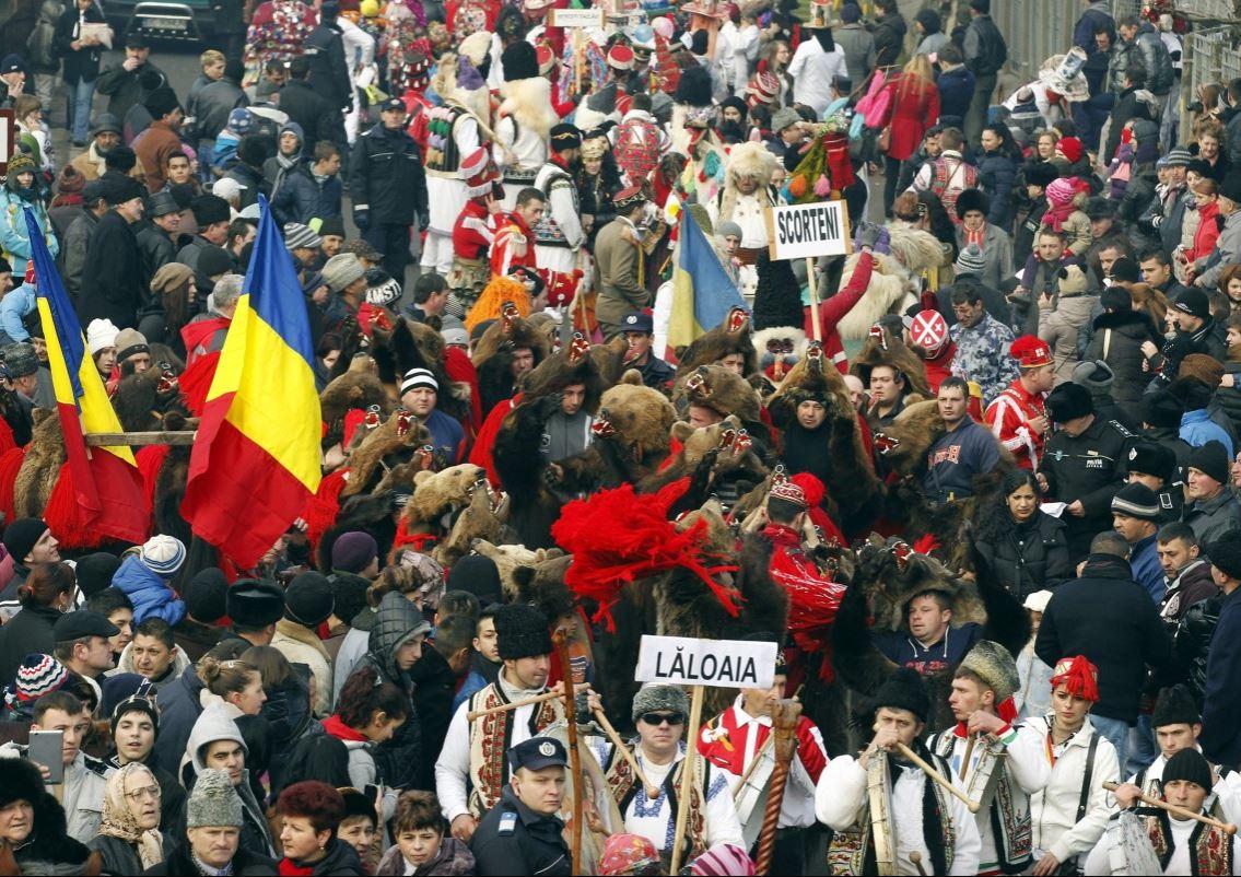 парад медведей в румынии