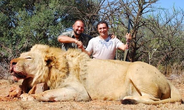 Африканские сафари Гергия Рагозина - охота в африке, охота на льва, охота на слона, охота на буйвола, охота на носорога, охота на леопарда, охота на ягуара, охота на крокодила, охота на антилопу