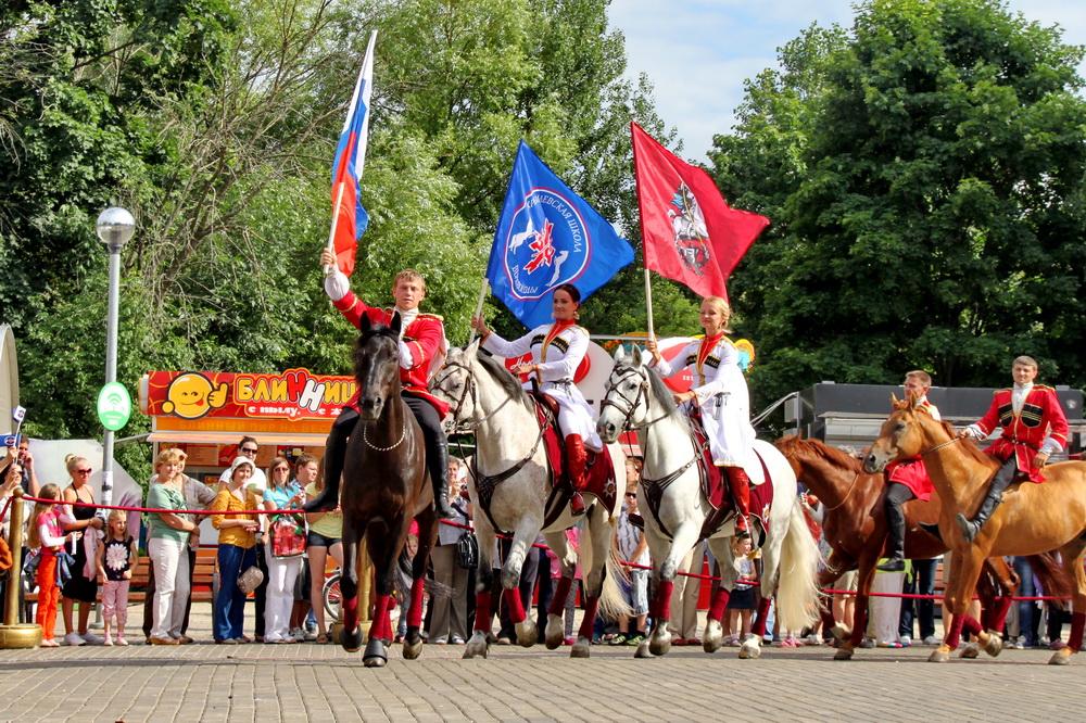 Конноспортивный клуб Кремлевская Школа Верховой Езды конное шоу Возрождая Традиции Фото Андрей Шалыгин