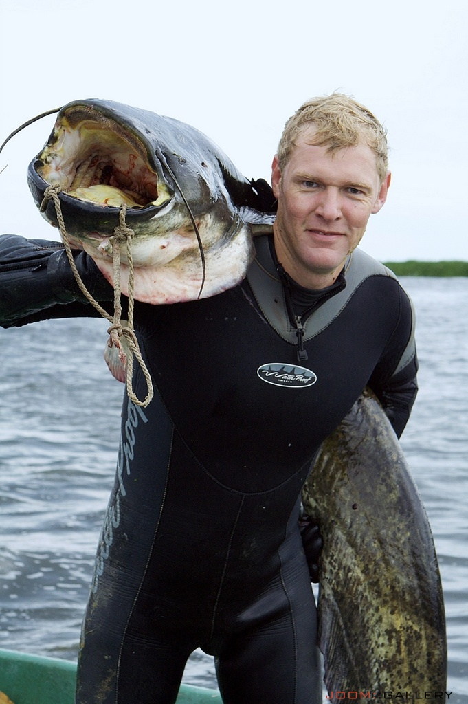 Подводная охота на сома