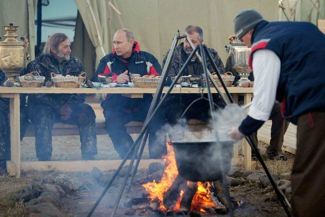 Владимир Путин в тайге
