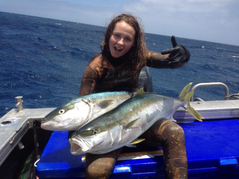 Женщина подводная охотница