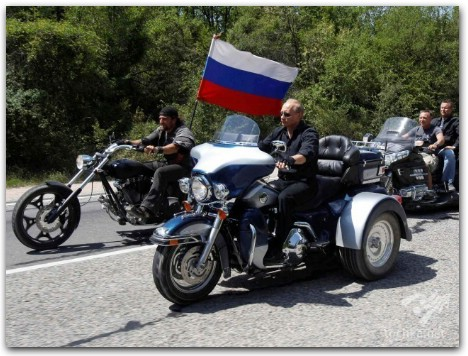 Владимир Путин на мотоцикле